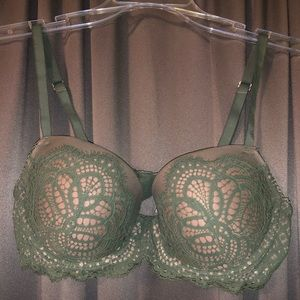 Green lightly lined dream angles bra